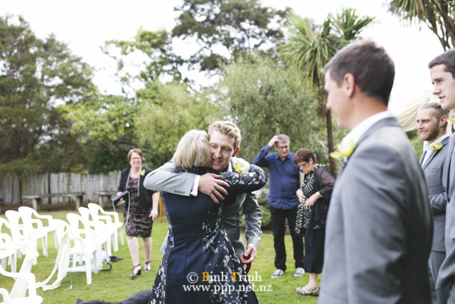 cat and cam wedding photos at makoura lodge 0082