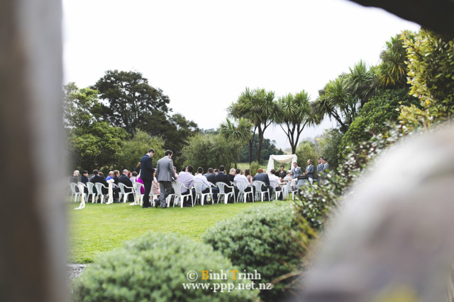 cat and cam wedding photos at makoura lodge 0084
