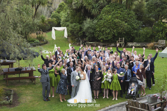 cat and cam wedding photos at makoura lodge 0113