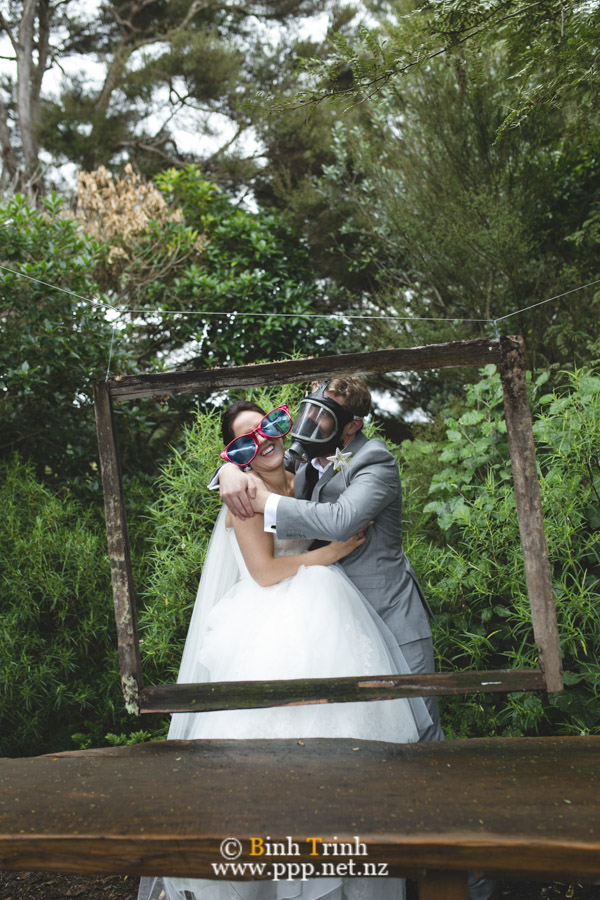 cat and cam wedding photos at makoura lodge 0115