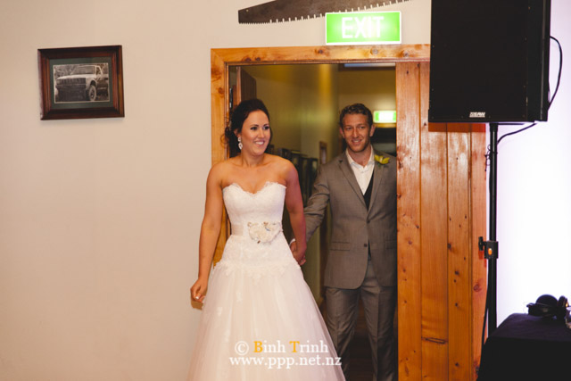 cat and cam wedding photos at makoura lodge 0186