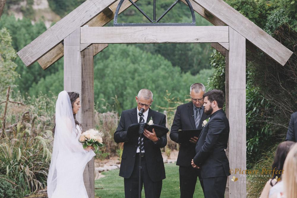Nicki palmerston north wedding 0120