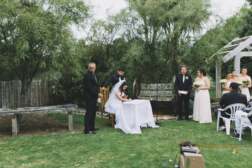 Nicki palmerston north wedding 0126