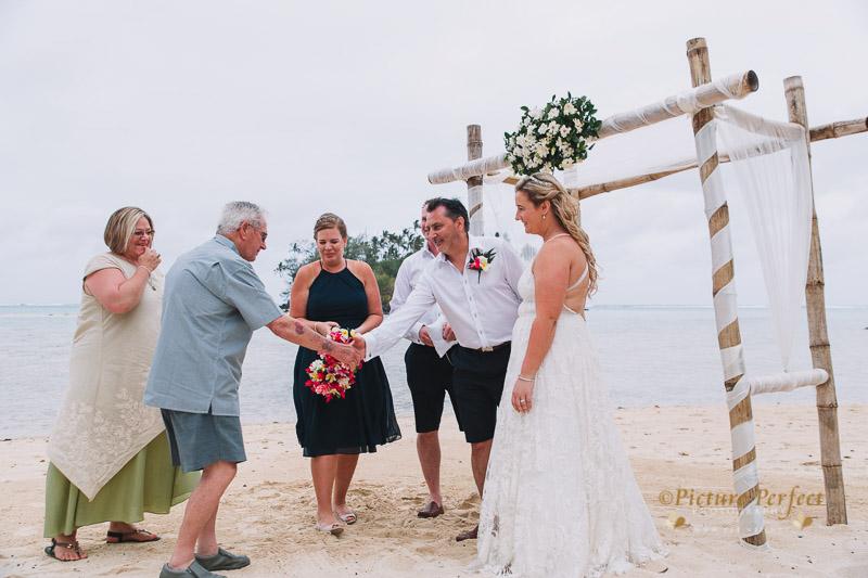 Rarotonga wedding photography Becca 0125