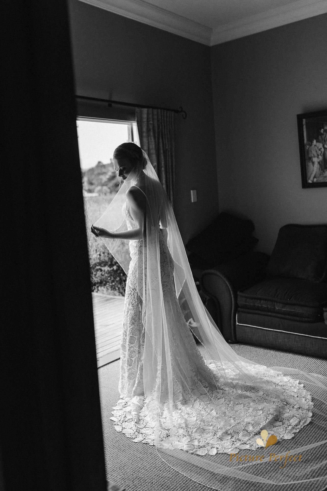 Freya and Matt fun wedding photography 0118