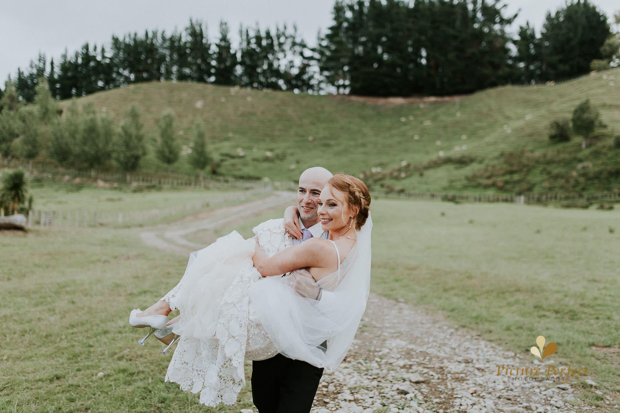 Freya and Matt fun wedding photography 0280