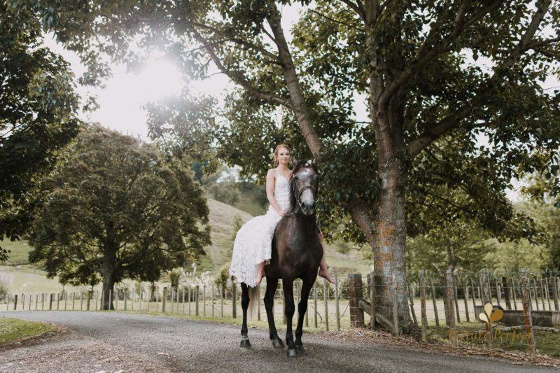 Freya and Matt fun wedding photography 0298 e1540865816561