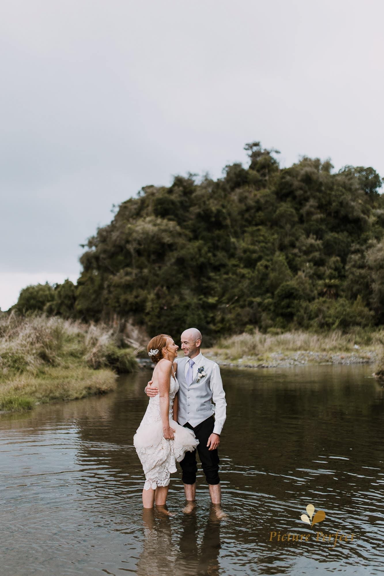 Freya and Matt fun wedding photography 0310