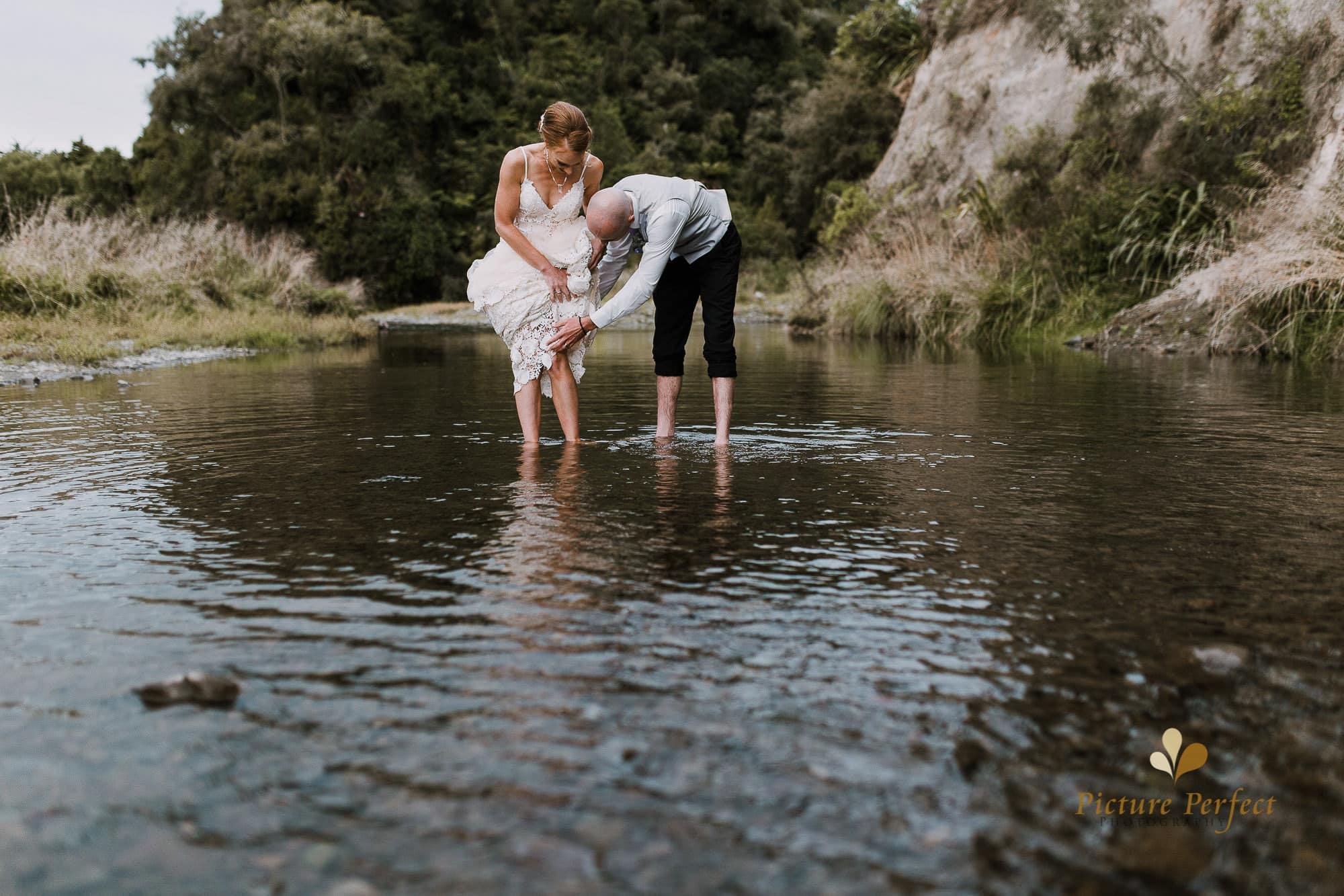 Freya and Matt fun wedding photography 0314