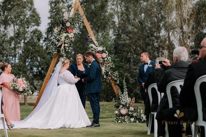 Manawatu wedding image with Emma at Orlando Country 0065