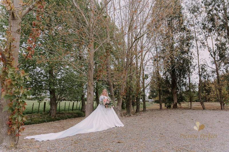 Manawatu wedding image with Emma at Orlando Country 0138