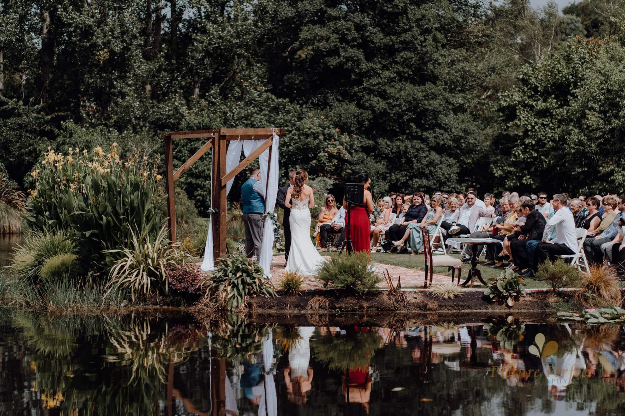 Roseburb Park wedding of Casey 1347
