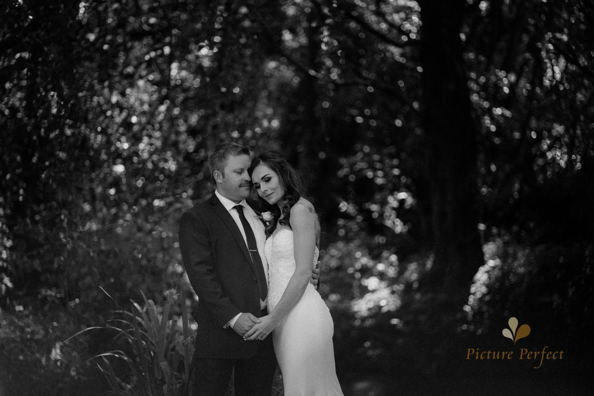 Roseburb Park wedding of Casey 2489