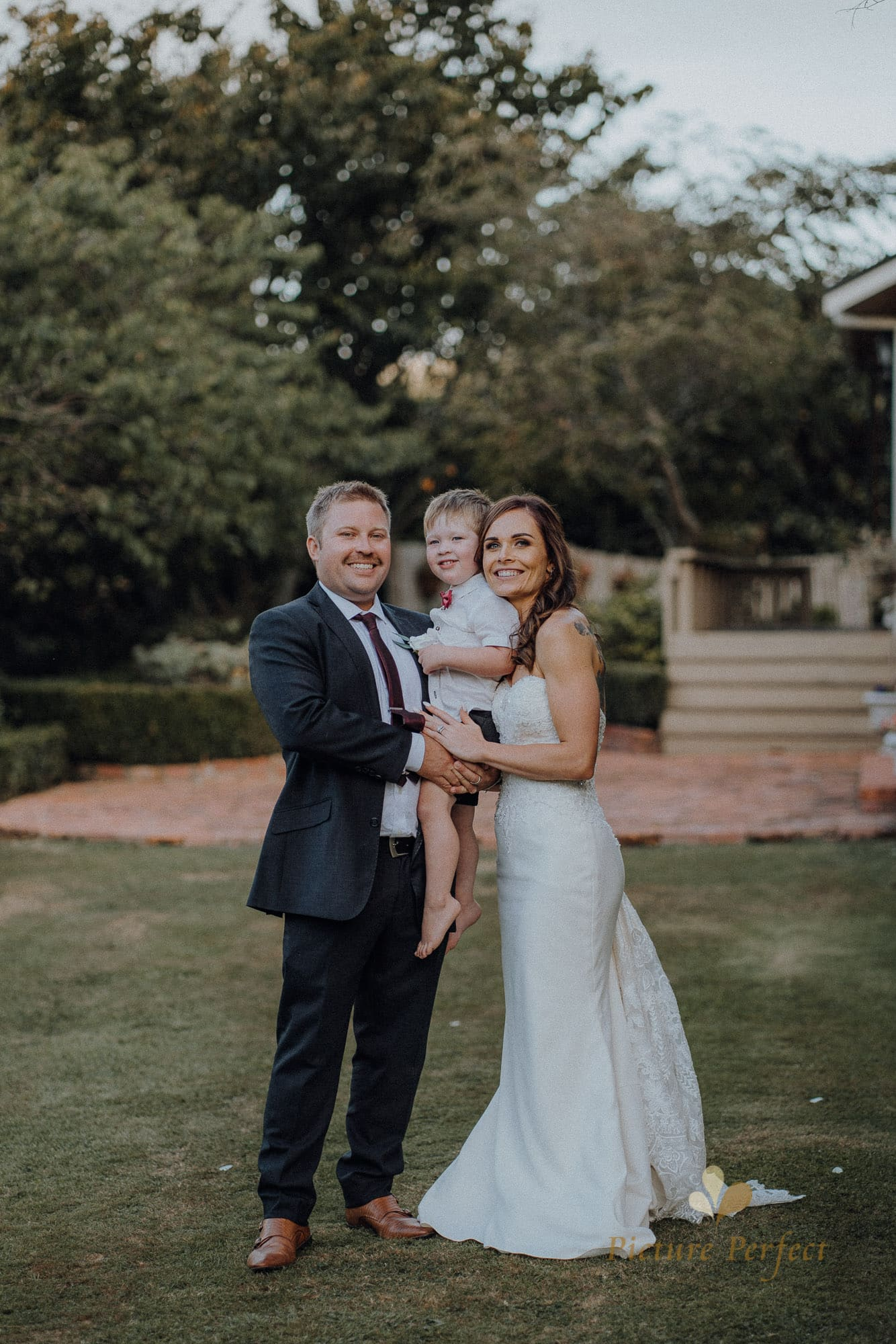 Roseburb Park wedding of Casey 5455