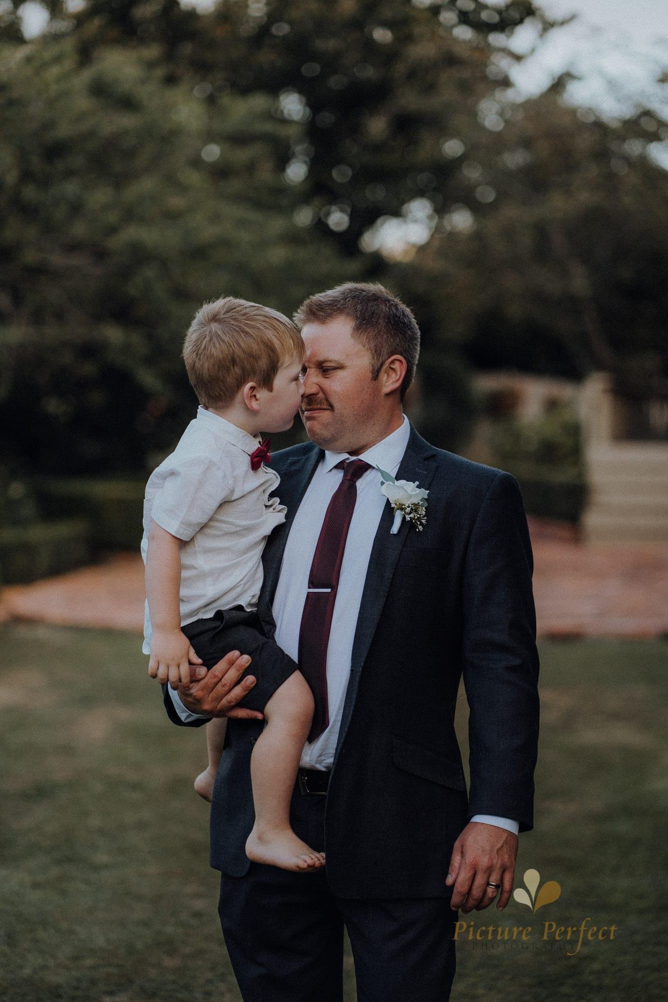Roseburb Park wedding of Casey 5491