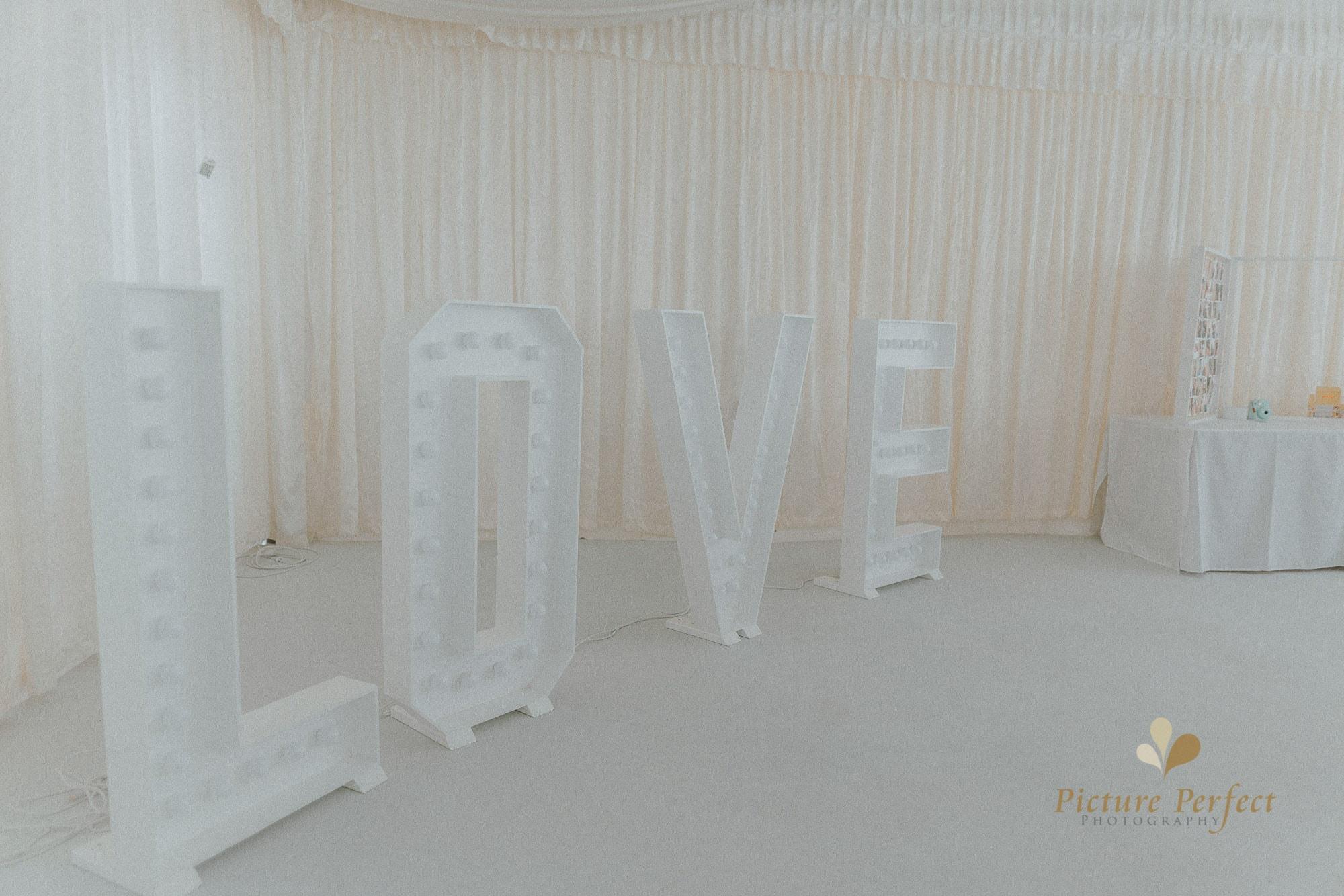 Roseburb Park wedding of Casey 0443