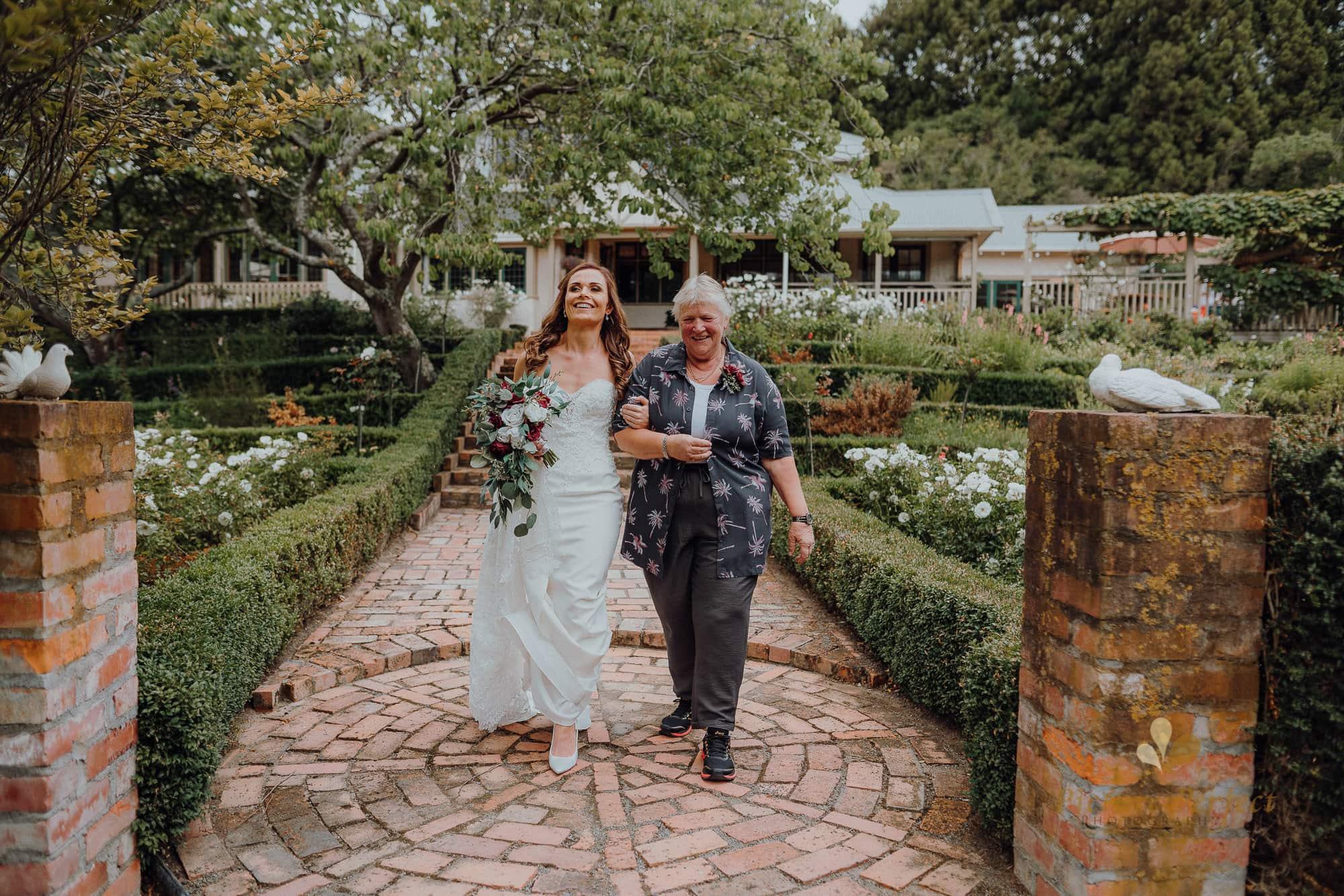 Roseburb Park wedding of Casey 1231