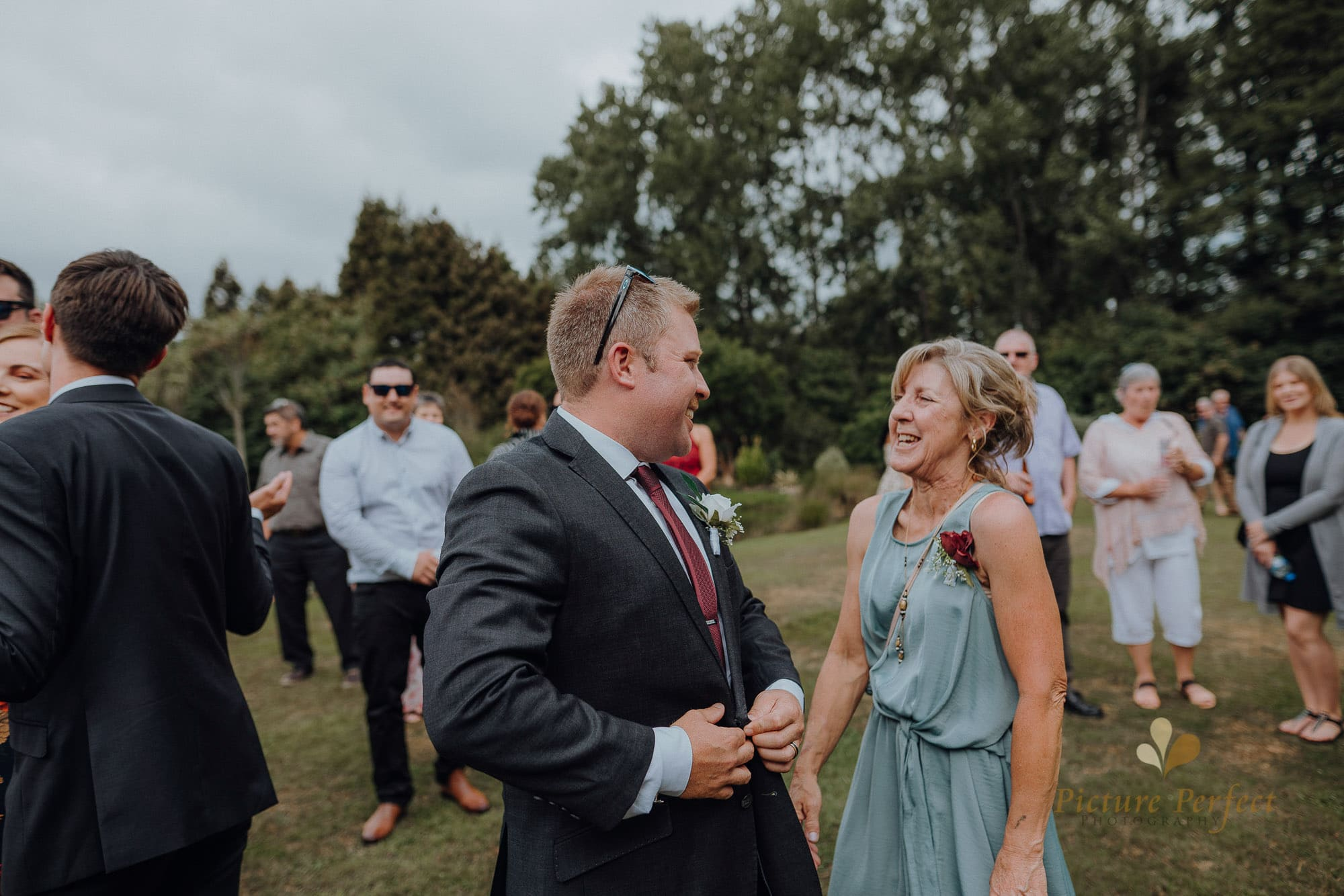 Roseburb Park wedding of Casey 1612