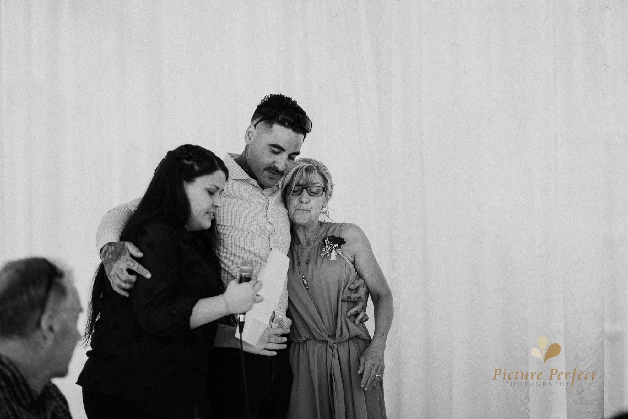 Roseburb Park wedding of Casey 4123