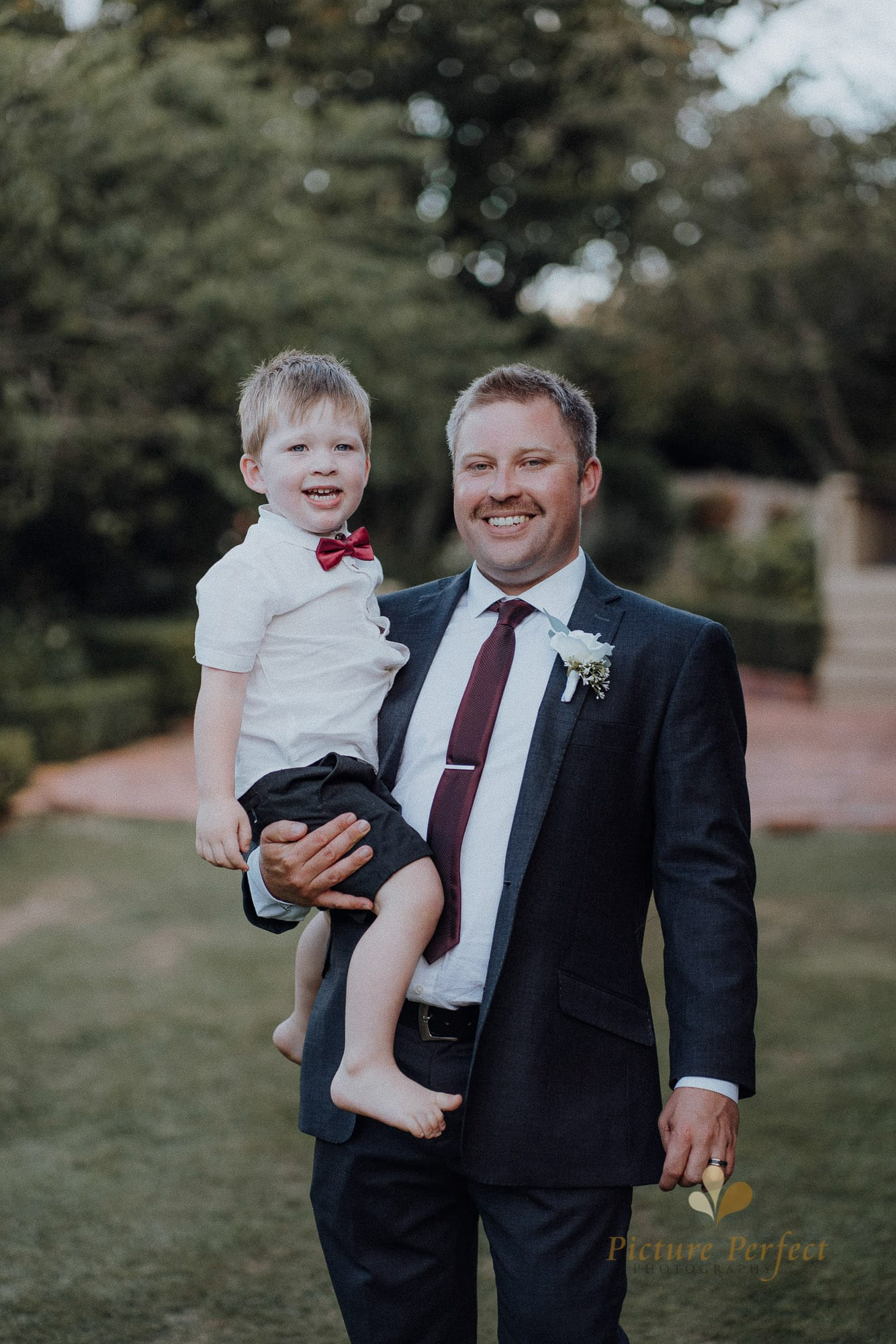 Roseburb Park wedding of Casey 5476