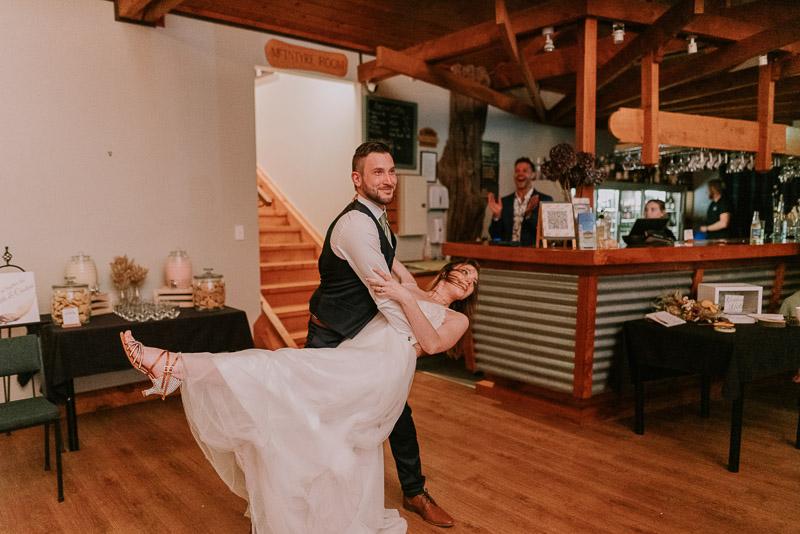 Makoura Lodge wedding photography of Ned and Amanda 0902