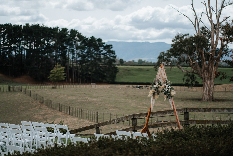 Hamilton farm wedding photography of Amber and Vincent 1099