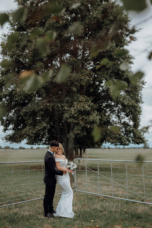 Hamilton farm wedding photography of Amber and Vincent 1566