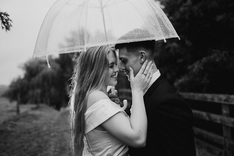 Hamilton farm wedding photography of Amber and Vincent 2010