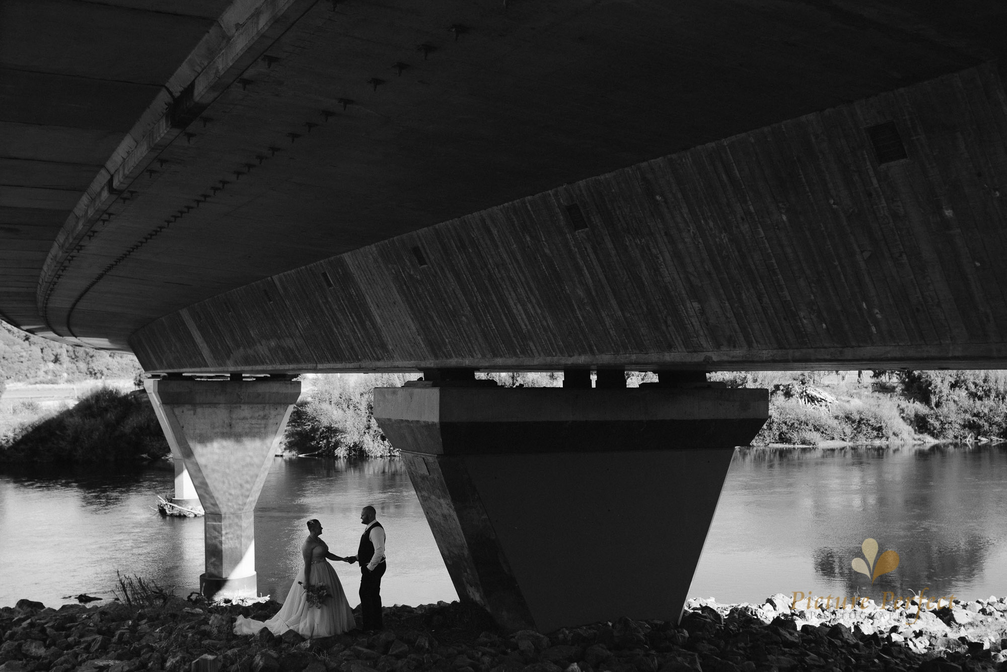 Manawatu beach bridal photography during golden hour with Tina 0023