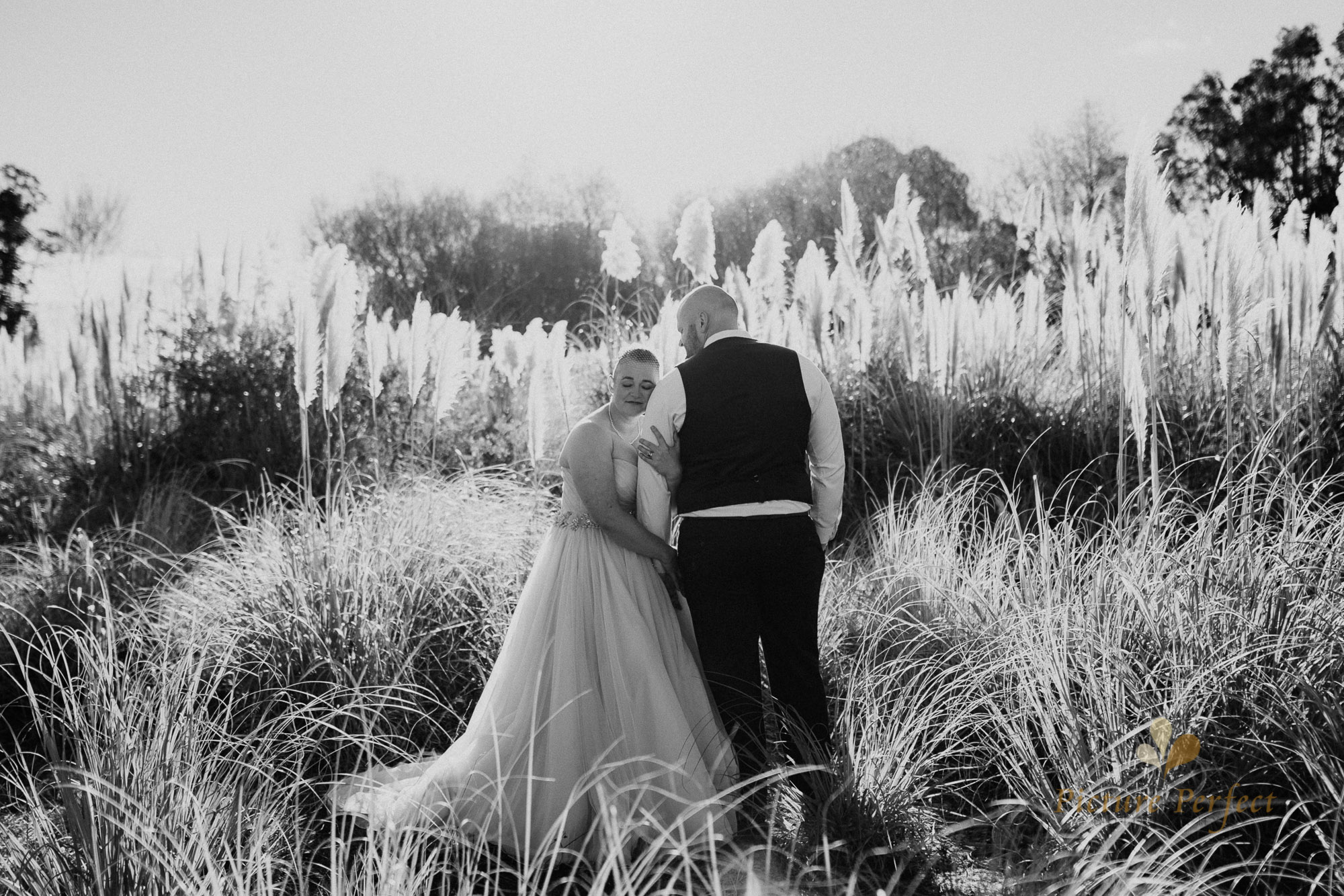 Manawatu beach bridal photography during golden hour with Tina 0037