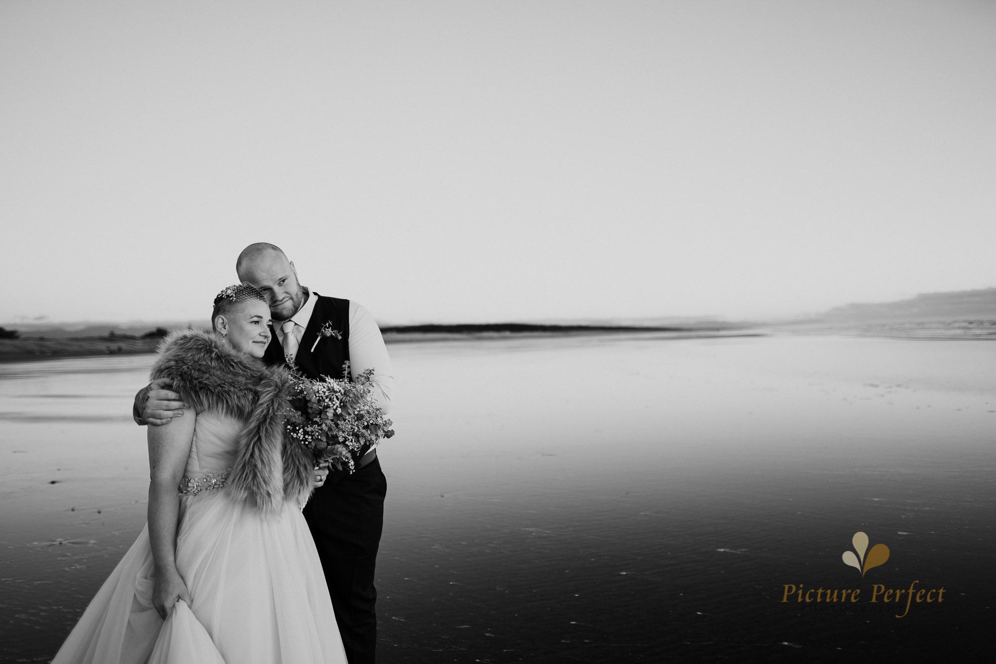 Manawatu beach bridal photography during golden hour with Tina 0054